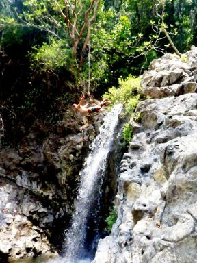 Cliffdiving 15m / 46ft. , Montazuma Waterfalls